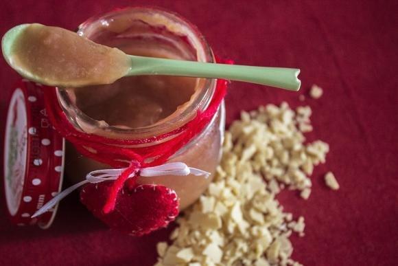 Marmellata di pere e cioccolato bianco