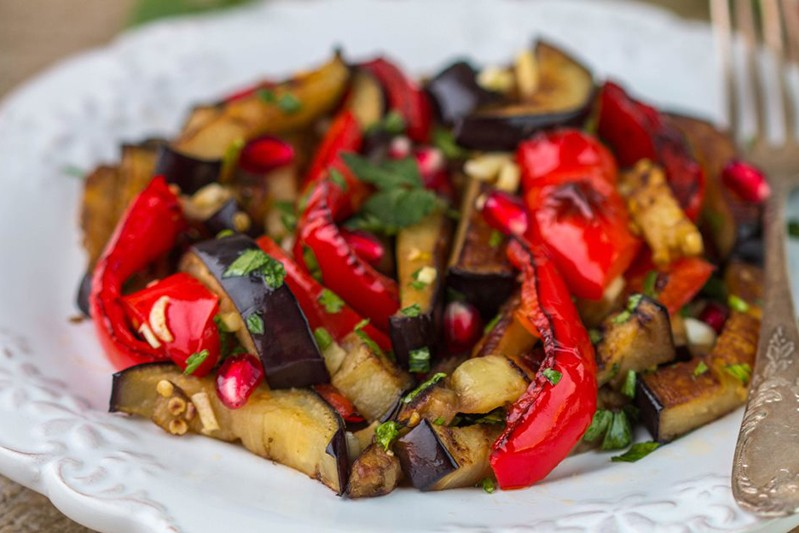 Ricetta Melanzane E Peperoni.Melanzane E Peperoni In Padella Fidelity Cucina