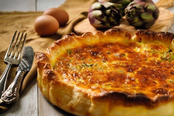 Torta salata carciofi e formaggi