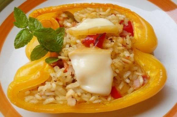 Peperoni ripieni di riso