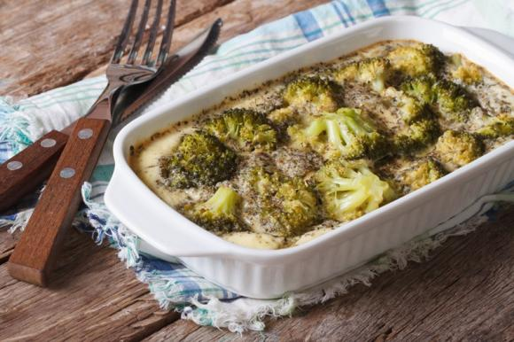 Broccoli con salsa al parmigiano