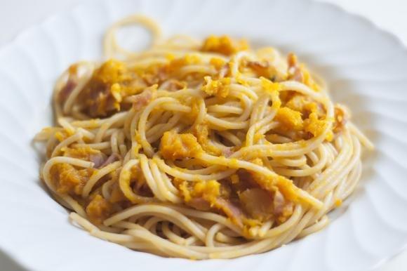 Spaghetti zucca e speck