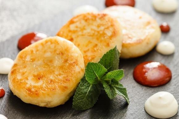 Focaccine di patate wurstel e formaggio