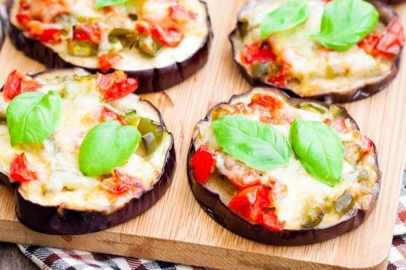 Pizzette di melanzane tricolore
