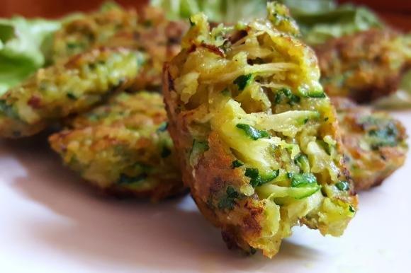 Medaglioni croccanti alle zucchine senza glutine