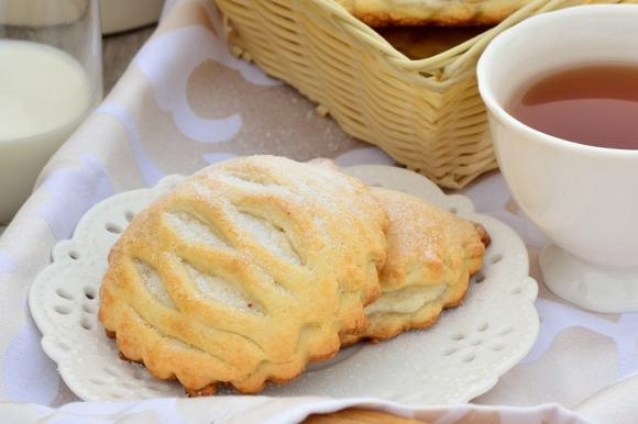 Biscotti con farina di riso e crema al cioccolato bianco