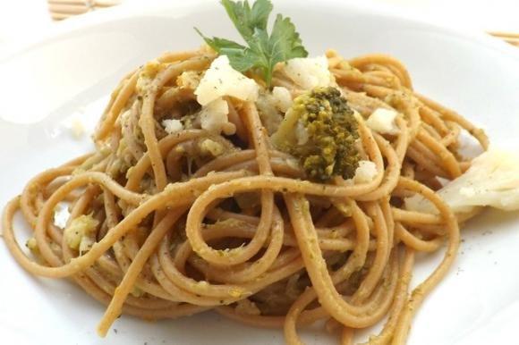 Spaghetti integrali con verdure