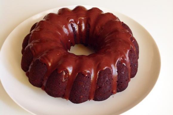 Bundt cake noci, pere e cioccolato