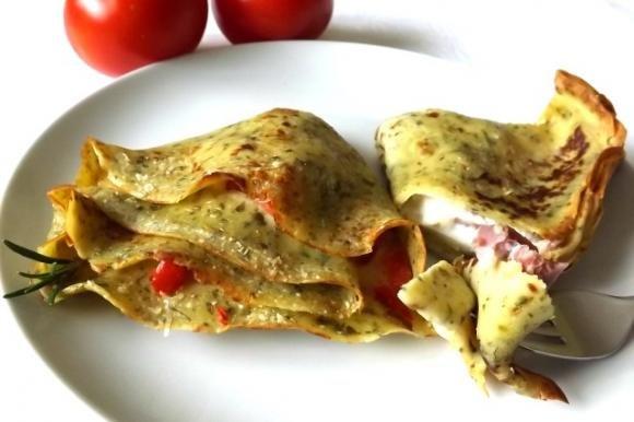 Crepes salate al pesto con prosciutto e mozzarella