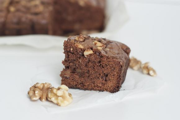 Brownies con noci e cioccolato bianco