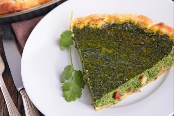 Torta salata con ricotta, spinaci e prosciutto cotto