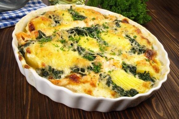 Patate e spinaci gratinati al formaggio