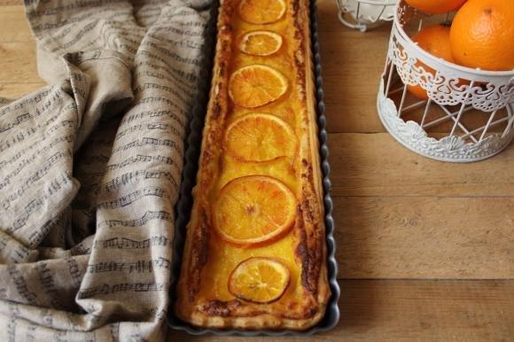 Crostata con crema d'arancia e gocce di cioccolato fondente