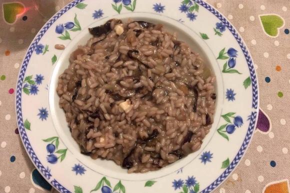 Risotto al vino rosso con radicchio, castagne e quartirolo