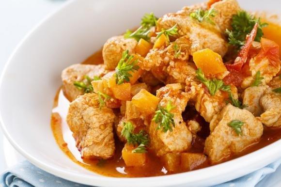 Spezzatino di pollo con peperoni