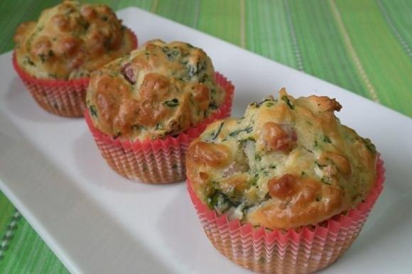 Muffin salati con spinaci e pancetta