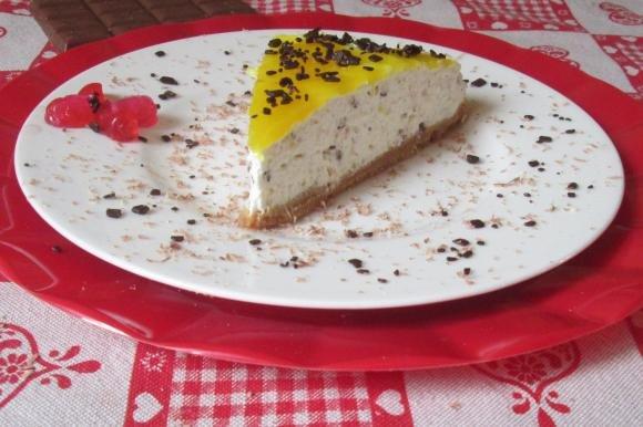 Cheesecake all'ananas, yogurt e scaglie di cioccolato