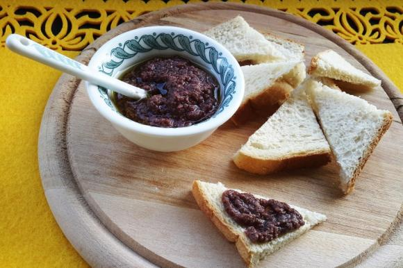 Paté di olive nere Bimby