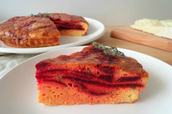 Frittata al forno con barbabietole e pecorino