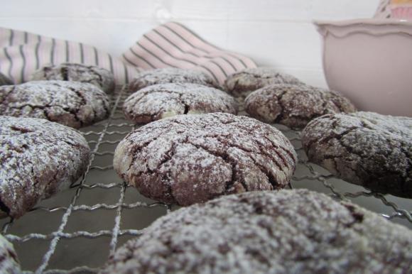 Biscotti screpolati al doppio cioccolato
