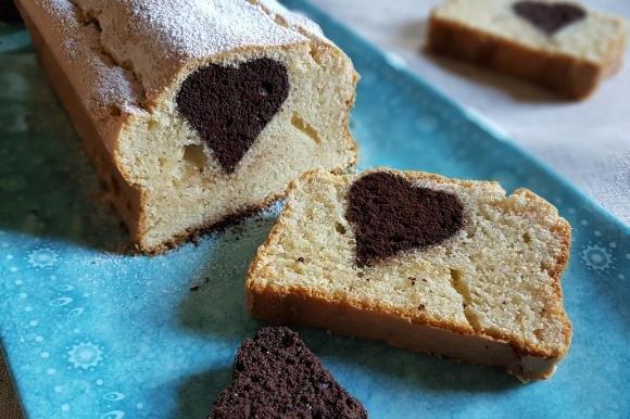 Plumcake alla nocciola con cuore al cacao