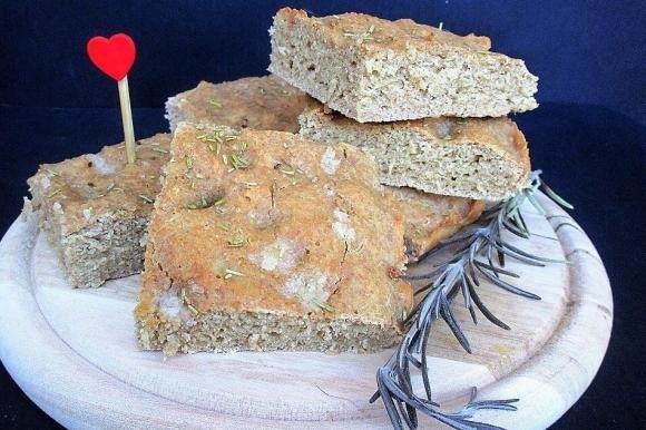 Focaccia con farina integrale e quinoa Bimby