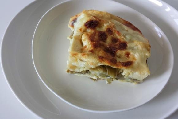 Lasagne con carciofi, speck e mozzarella