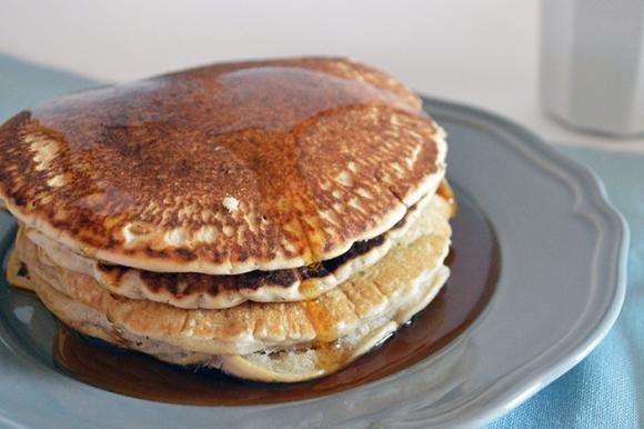 Pancake al latte di mandorla