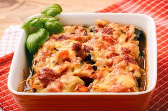 Melanzane ripiene di verdure e formaggio