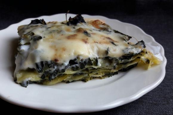 Lasagne con cavolo nero, mozzarella e besciamella