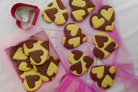 Cuori di biscotti vaniglia e cioccolato