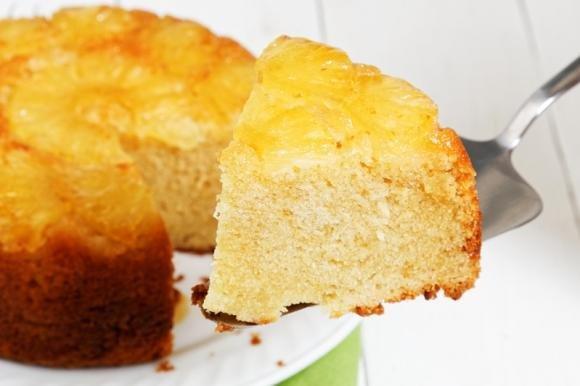 Torta rovesciata ananas e cocco