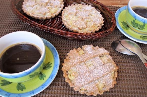 Crostatine semi integrali con ricotta e grano
