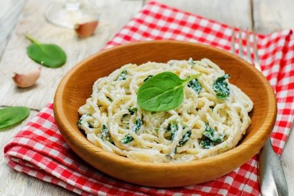 Pasta spinaci, ricotta e noci