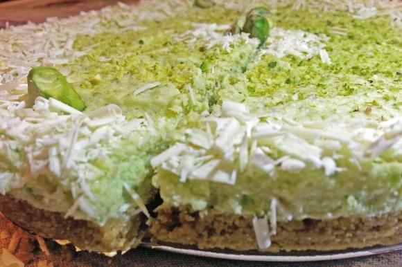 Torta fredda al pistacchio e cioccolato bianco