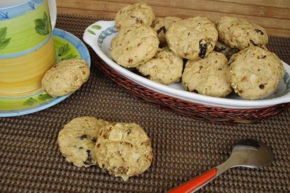 Biscotti al muesli con frutta secca e semi