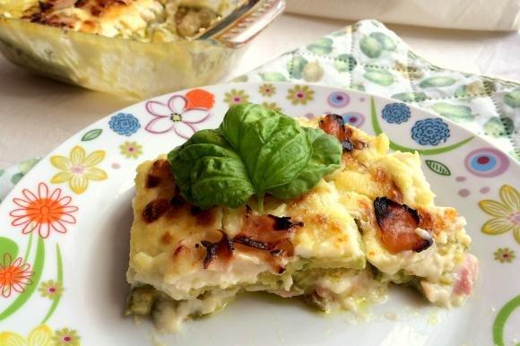 Parmigiana di zucchine e prosciutto