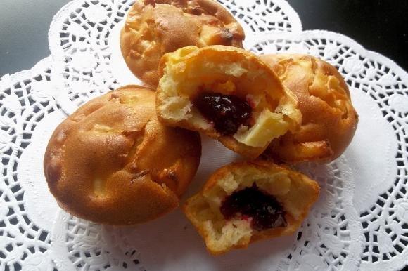 Muffin alle mele con cuore di marmellata
