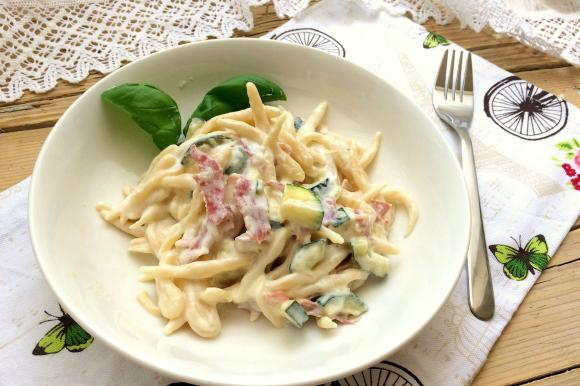 Trofie fatte in casa con zucchine, pancetta e Philadelphia
