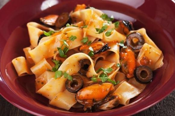 Pappardelle cozze e olive