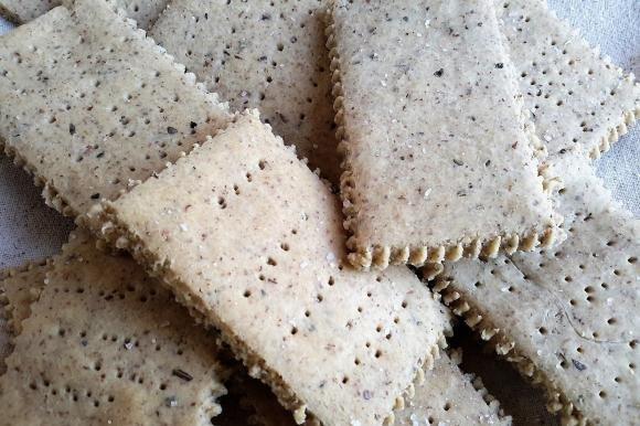 Crackers di fagioli e nocciole Bimby