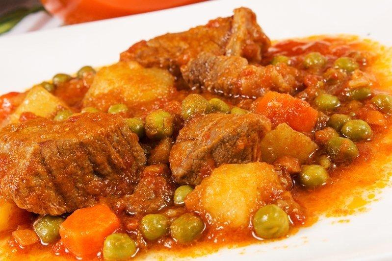 Ricetta Spezzatino Con Patate Alla Napoletana.Spezzatino Con Patate E Piselli Fidelity Cucina