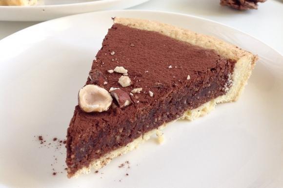 Tarte brownie al cioccolato fondente e nocciole