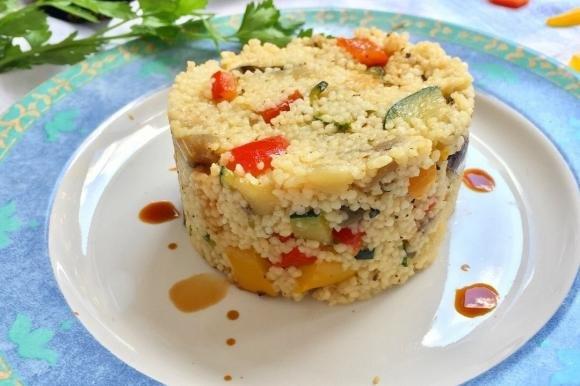 Couscous alle verdure e salsa di soia