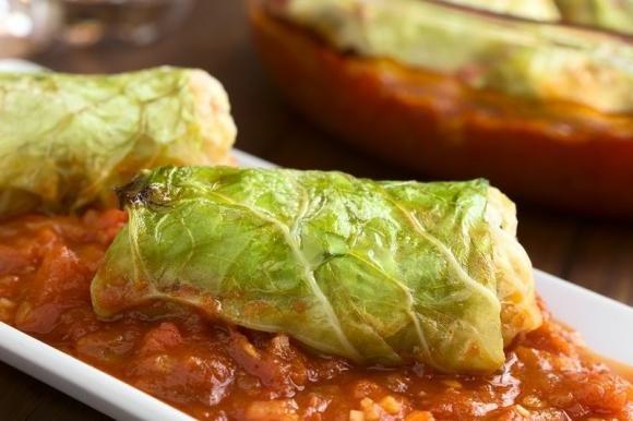 Involtini di verza vegetariani al forno