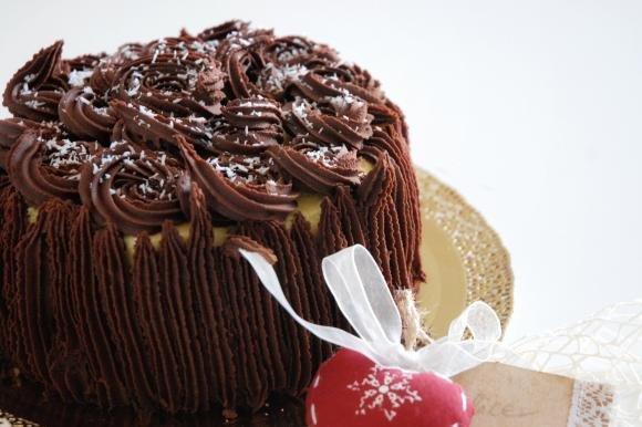 Torta al cioccolato con crema al cocco e ganache fondente