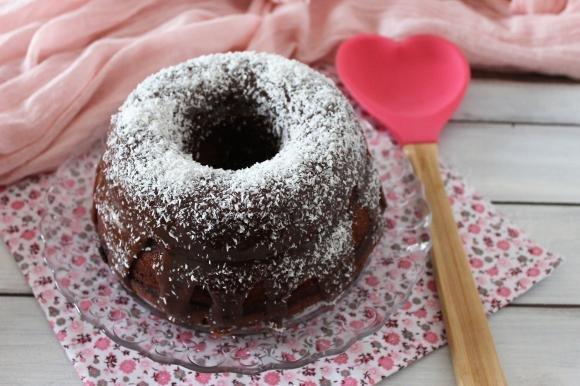 Bundt cake al cioccolato fondente e cocco