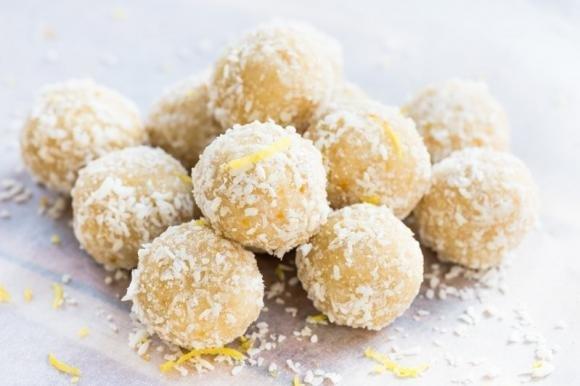 Tartufini di pandoro al limone