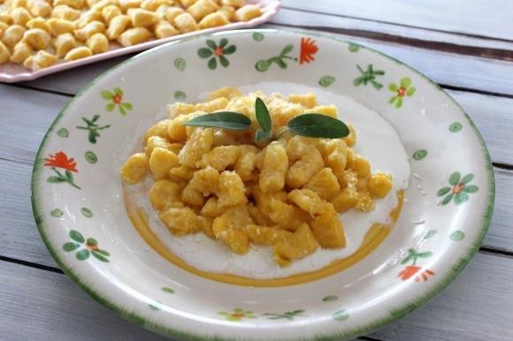 Gnocchi di zucca e patate con burro e salvia