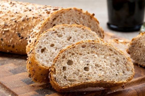 Pane integrale fatto in casa senza impasto